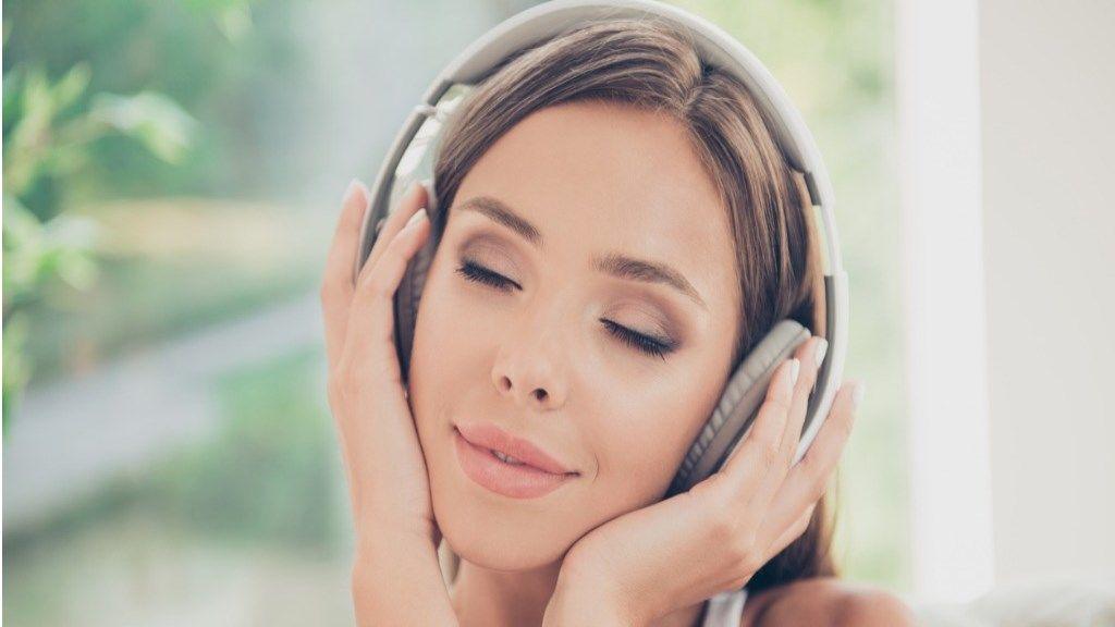magas vérnyomás és a zene)