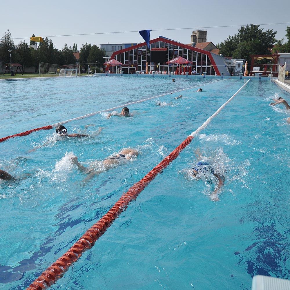 magas vérnyomás téli úszás)