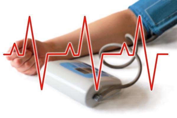 magas vérnyomás és tachycardia)