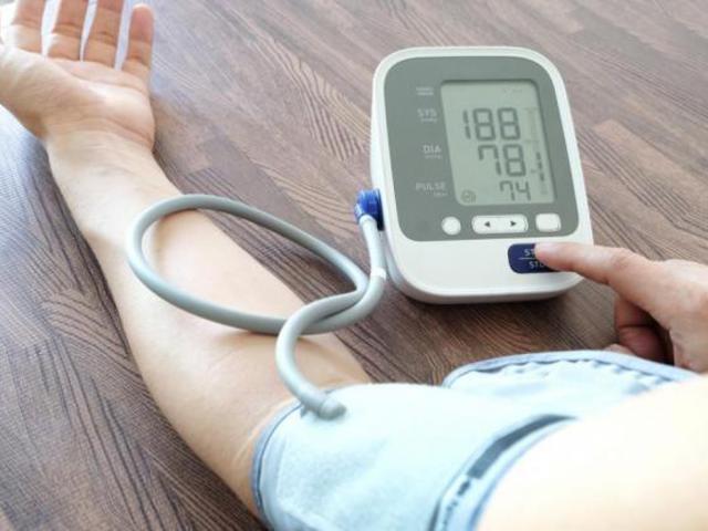 MSE és fogyatékosság magas vérnyomásban)