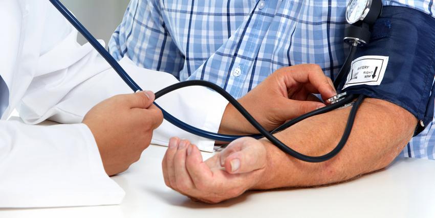 magas vérnyomás és adenoma)