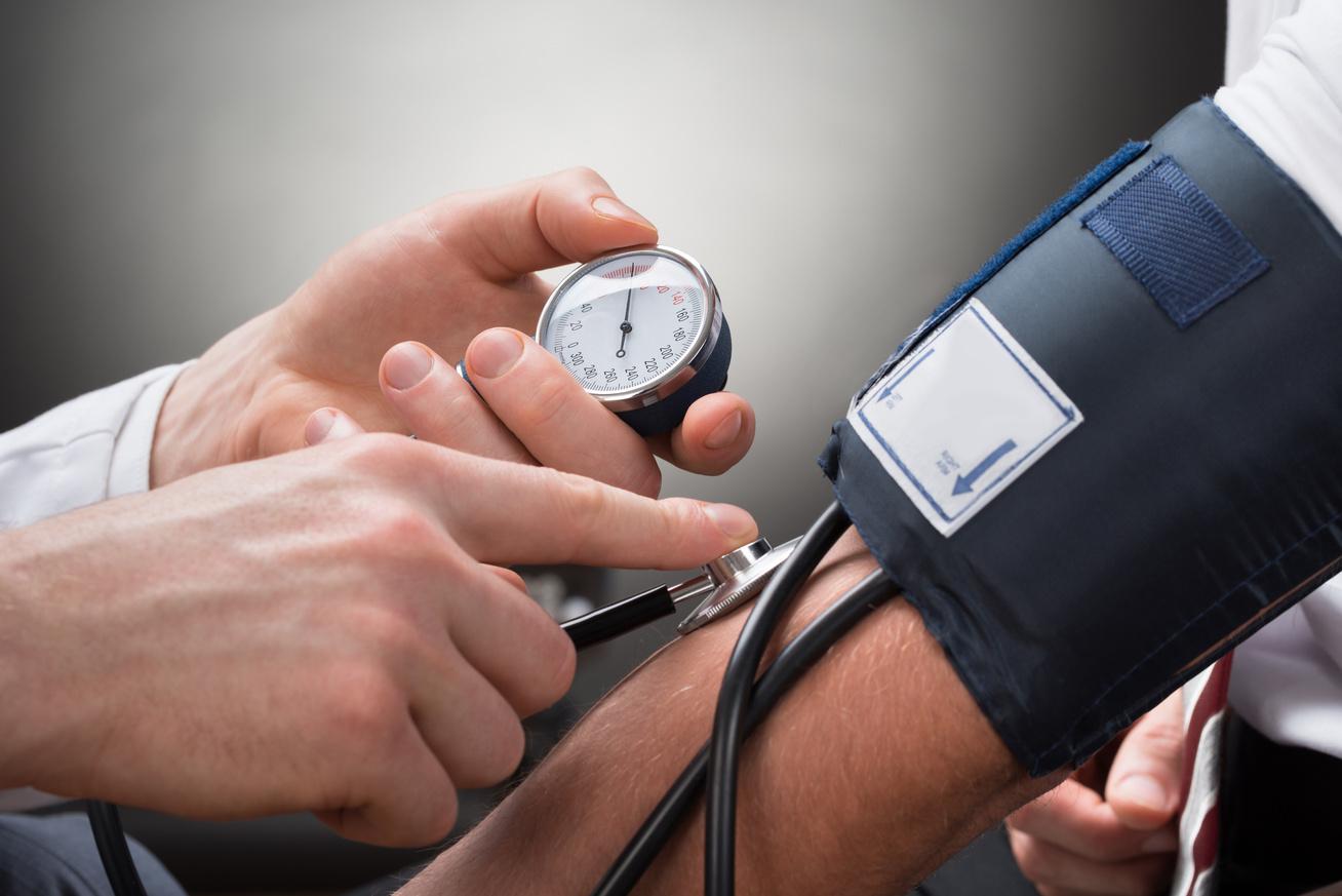 egy kar karkötő magas vérnyomás ellen