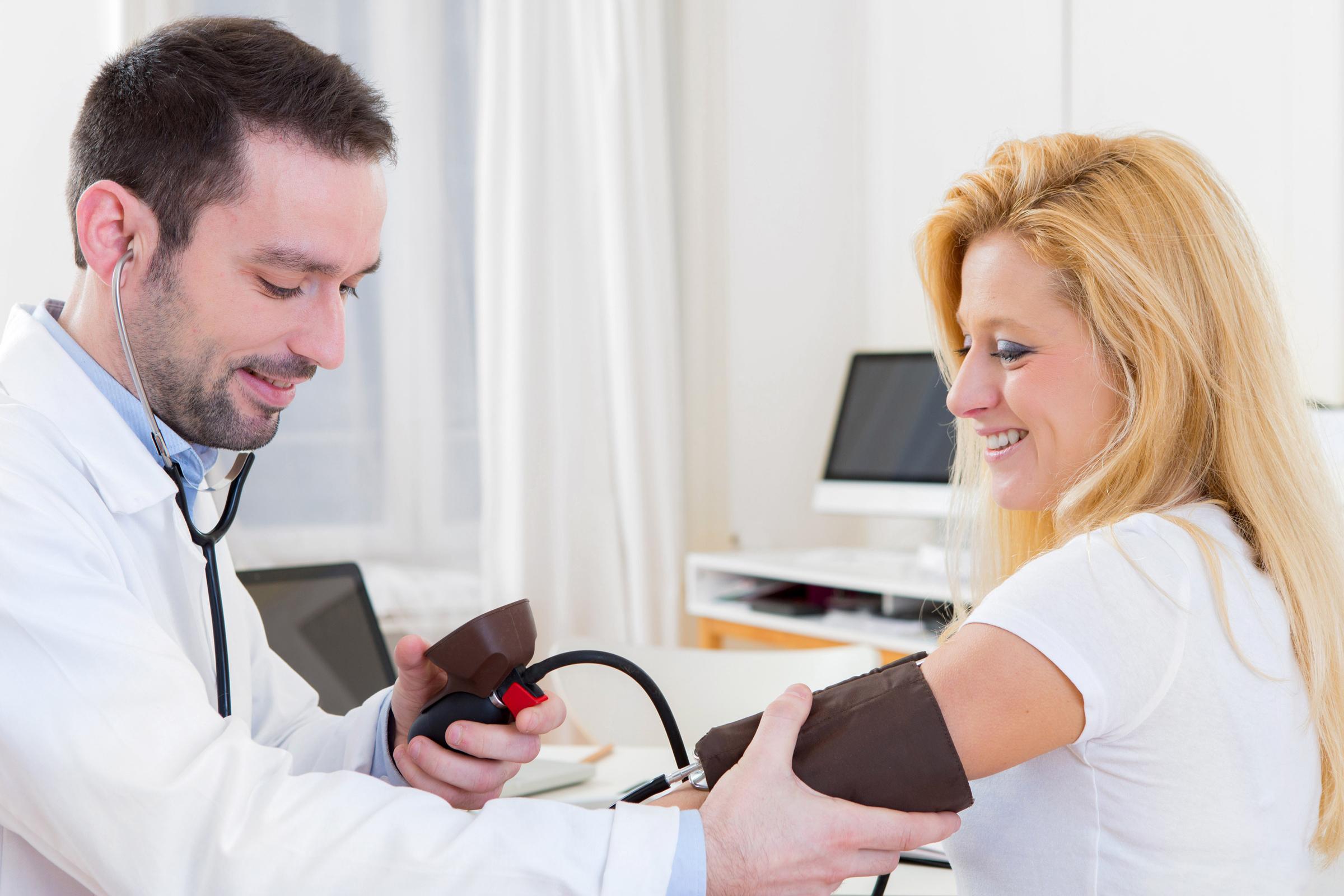 magas vérnyomás ápoló nőnél