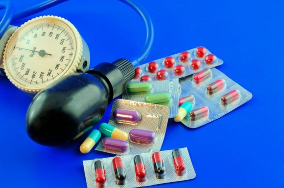 a magas vérnyomás gyógyszeres kezelése népi módon