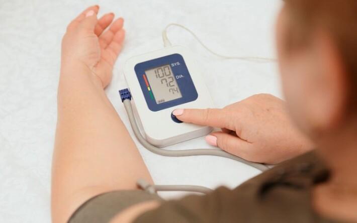 a magas vérnyomás vékonyan fordul elő magas vérnyomás visszavonulhat