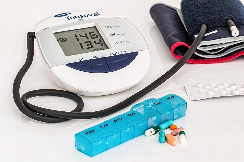 magas vérnyomás és látás)