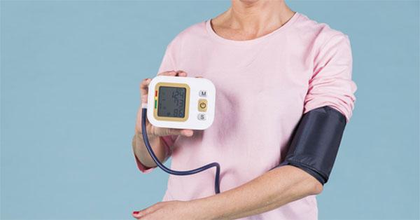 hogyan kezeli a másodfokú hipertóniát koponyaűri magas vérnyomás szindróma