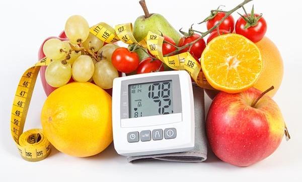 hogyan kell élni és mit kell enni magas vérnyomás esetén
