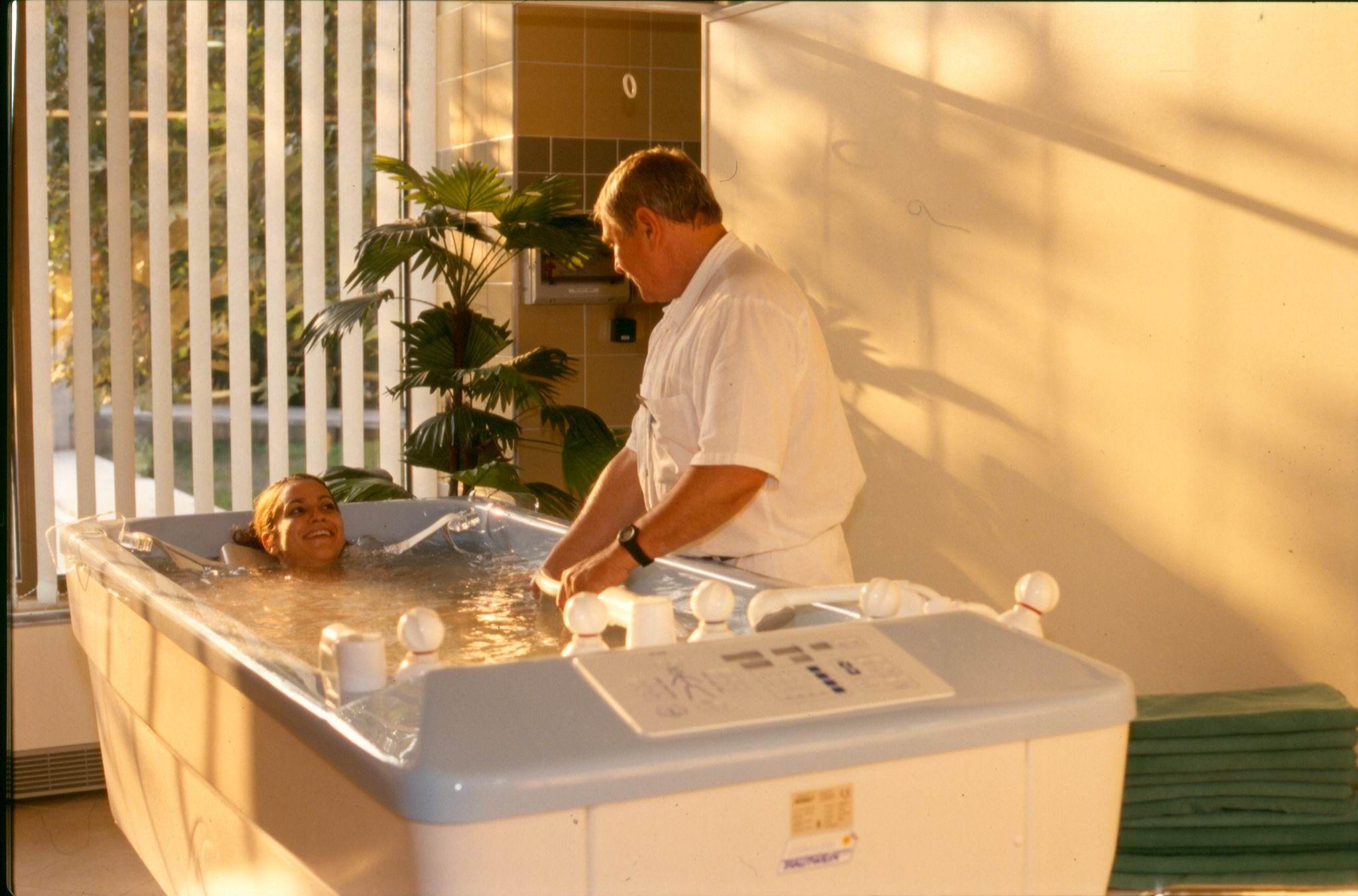 Magas vérnyomásom van-e fürdeni gyakori vizelési magas vérnyomás