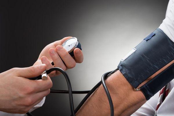 kezek elzsibbadnak magas vérnyomás